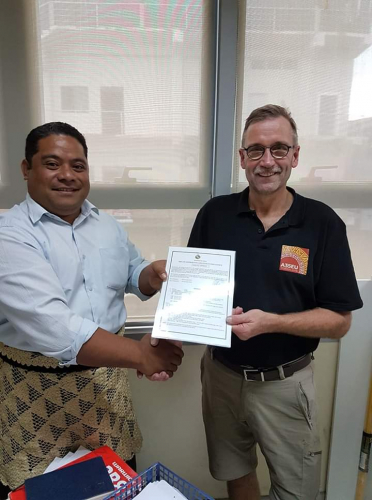 Ronald PA3EWP collecting the A35EU license. 60m is included.